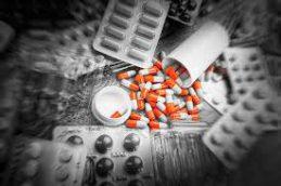Антибиотики: куда попадет