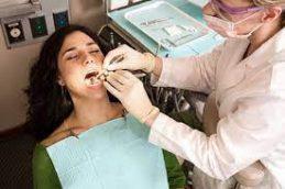 Почему нужно лечить зубы беременным женщинам?