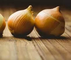 Диетолог: свежий лук может потягаться в пользе с экзотическими суперпродуктами