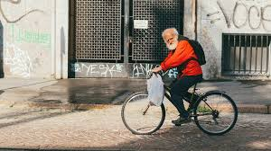 Эпидемиологи составили рекомендации для пожилых россиян