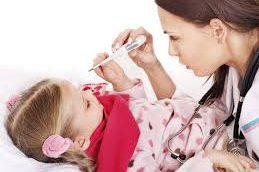 Более половины простывших детей в России лечат антибиотиками