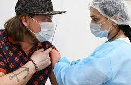 Россиянам пора озаботиться предсезонной вакцинацией против гриппа