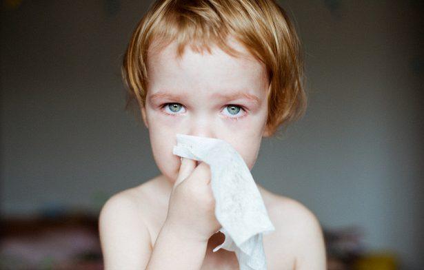 Аденоиды уребенка: лечить илиудалять