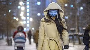 Эксперт озвучила правила ношения маски зимой