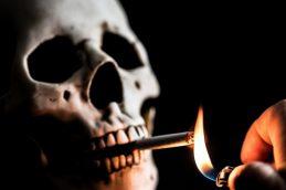 Еще раз о вреде курения. Воздушный поцелуй от смерти