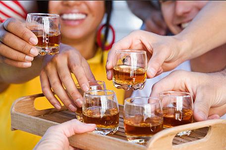 Алкоголь снижает иммунитет у молодых людей