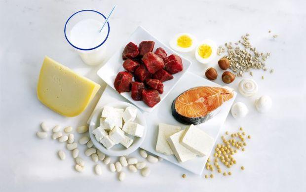 Назван главный вред от потребления вместе белков и углеводов