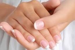 Привычка грызть ногти приводит к инфекциям и пищевым отравлениям