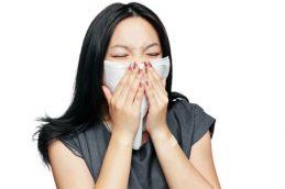 Как правильно лечить насморк при беременности
