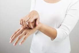 Упадацитиниб разрешен в РФ для лечения атопического дерматита у взрослых и подростков