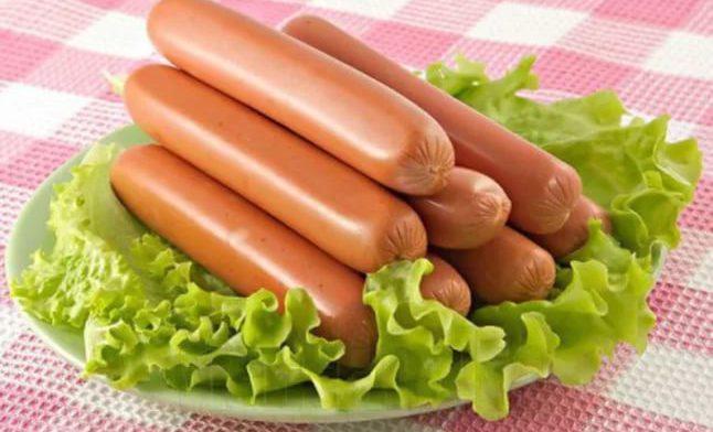 Сосиски и колбасы значительно повышают риск возникновения рака желудка
