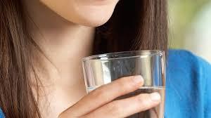 Помогает ли полоскание горла защититься от коронавируса?