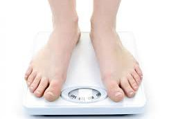 Даже незначительное снижение массы тела несет большие плюсы для здоровья, говорят врачи