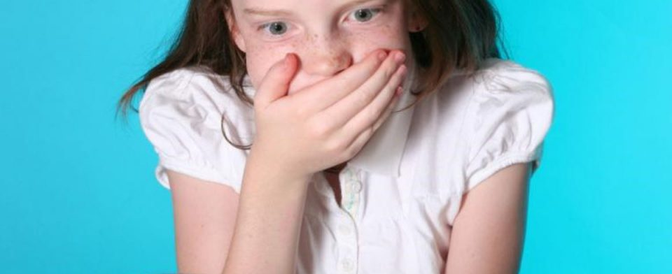 Тошнота у ребенка: причины и лечение
