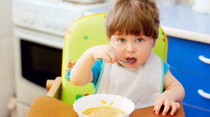 С какого возраста в рационе ребенка должна присутствовать соль?