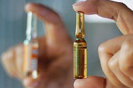 «АстраЗенека» готова выпустить 2 млрд доз вакцины от COVID-19